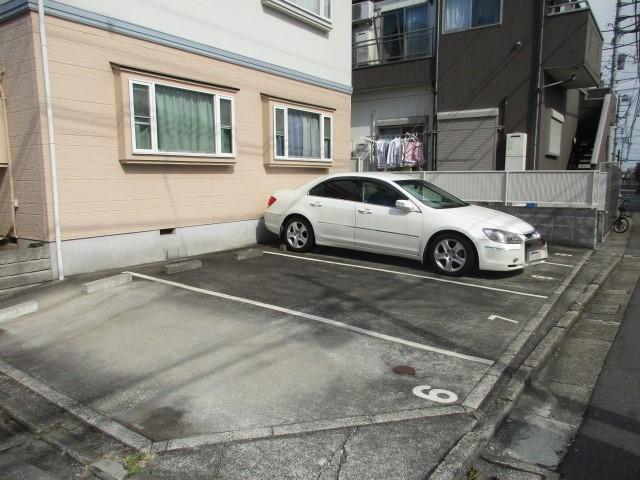ドルチェ駐車場
